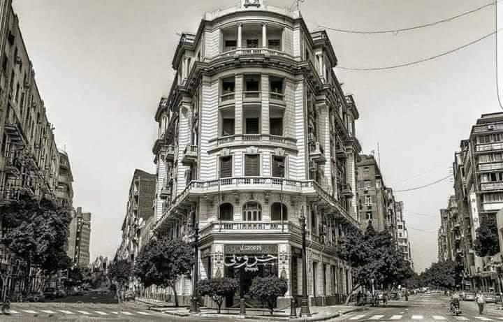 エジプト カイロのグロッピとエドワード・W・サイード『遠い場所の記憶 自伝』